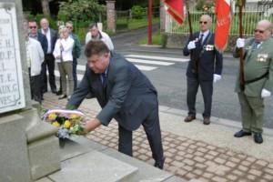 Dépôt de gerbe au monument aux morts - 14 juillet 2016